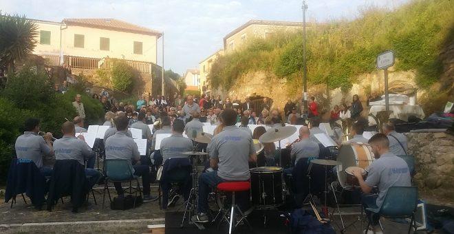 "Via Catilina diventa ""palco"" per concerto"